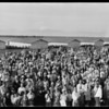Group of people at field, Southern California, [s.d.]