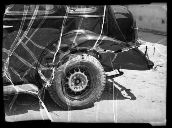 Wrecked 1935 Oldsmobile sedan, A. J. Floyd owner and assured, Los Angeles, CA, 1936