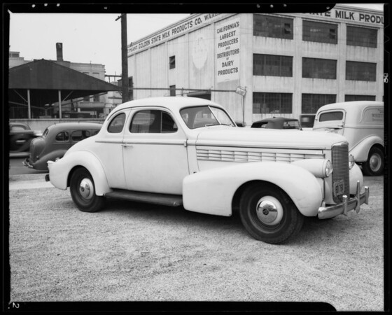 1938 La Salle sedan, Los Angeles, CA, 1940