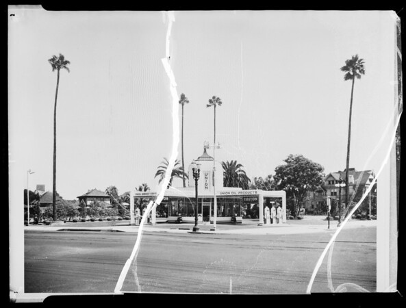 West Adams Boulevard and Hoover Street station, Los Angeles, CA, 1935