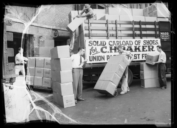 Carload of shoes, Southern California, 1935