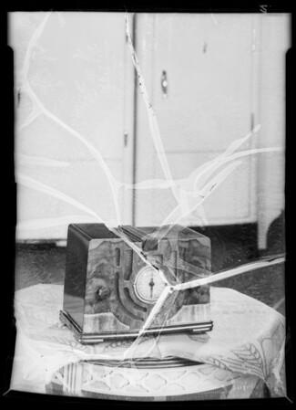 Auto radio and ironer, Southern California, 1935