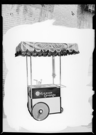 Stand at 648 South Broadway, California Crushed Fruit, Los Angeles, CA, 1926