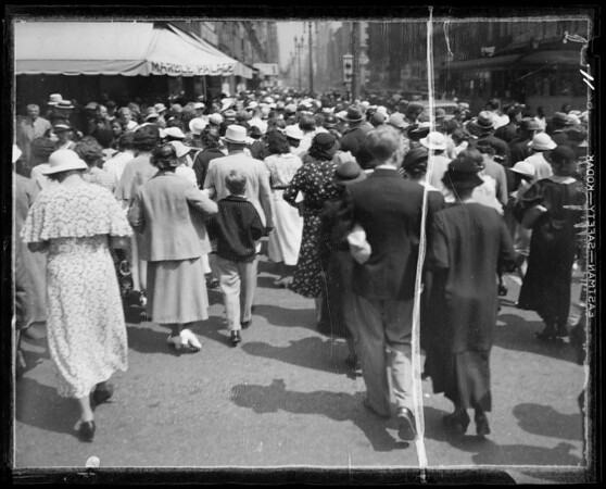Crowds, Southern California, 1935