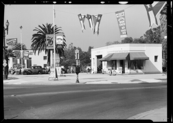 "Metal ""76"" signs & station at South Figueroa Street and West Adams Boulevard, Los Angeles, CA, 1935"