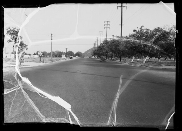 Victory Boulevard and Western Avenue, showing skid marks, Glendale, CA, 1936