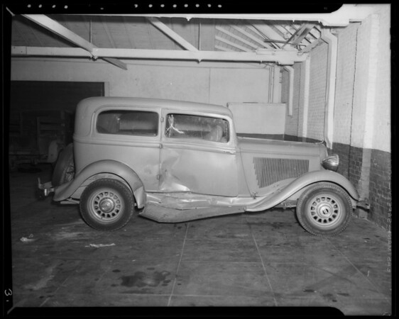 Wrecked 1933 Plymouth, Coast Auto Works, 1358 North Western Avenue, Los Angeles, CA, 1940