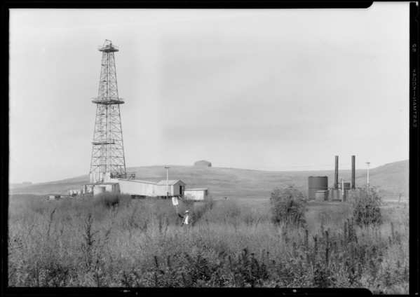 Oil well at Monte Mar Vista, Southern California, 1927