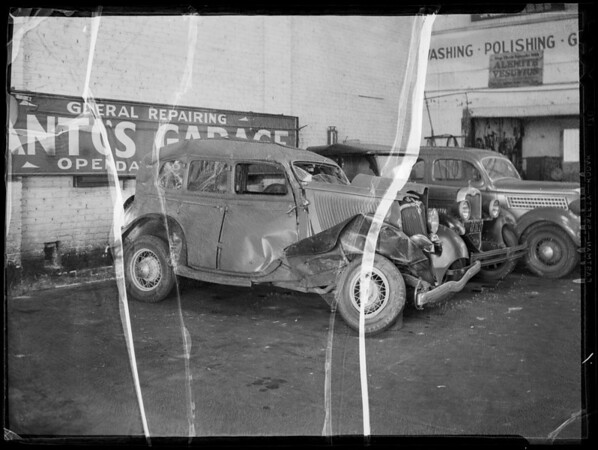 Wrecked Ford at Santo's Garage, Southern California, 1935