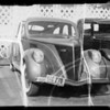 Lincoln Zephyr sedan at Maddux, Southern California, 1936