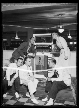 Radio artists, Robinson's radio department, Southern California, 1935