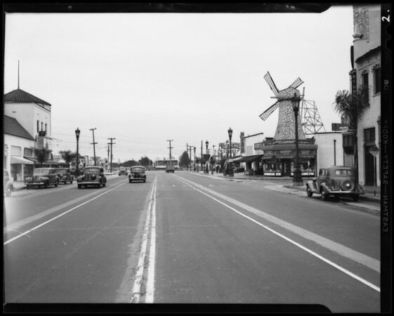 Intersection of Wilshire Boulevard and South San Vincente Boulevard, Los Angeles, CA, 1940