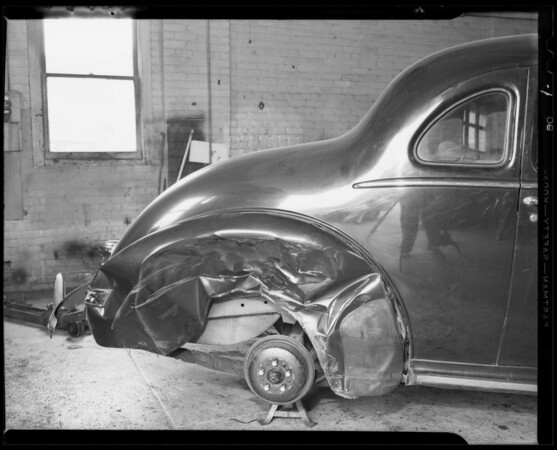 1940 Hudson Tudor, damage to right rear fender, Southern California, 1940