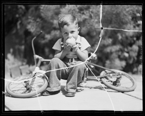 Her boy Kenney, Alice Bohrer, Southern California, 1935