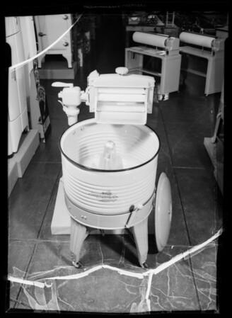 Washing machine, Globe Department Store, Southern California, 1936