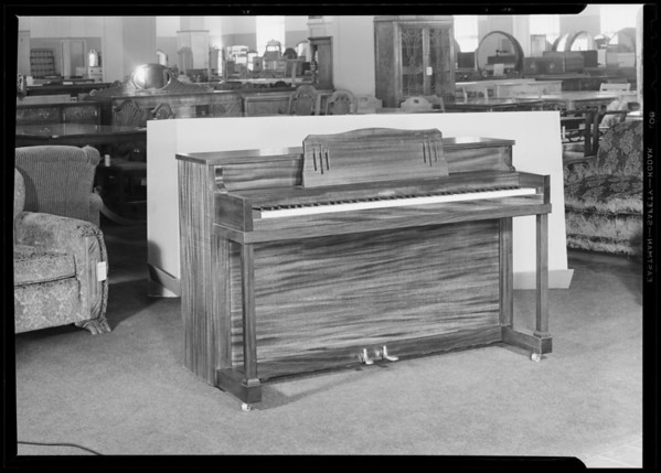Pianette, The Fifth Street Store, Southern California, 1940