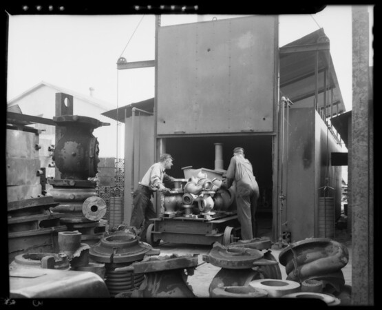 Gas fired oven, Reliance Regulator Corporation, 1000 South Meridian Avenue, Alhambra, CA, 1940