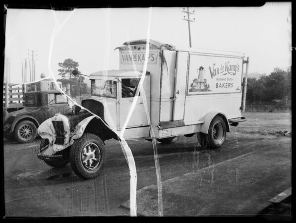 Wrecked truck, Los Angeles, CA, 1935