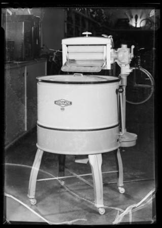Washing machine, Southern California, 1935