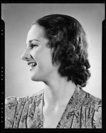 Gertrude Muller, model, Southern California, 1940