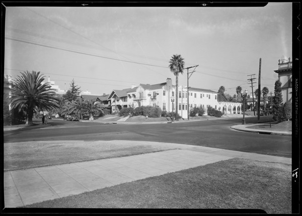 Intersection, West 6th Street and South Hobart Boulevard, Dodge sedan - Dunnington assured, Southern California, 1932