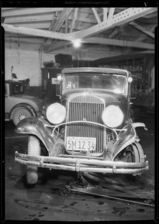 Wrecked Chrysler sedan, Wallace Porter owner & assured, Southern California, 1934