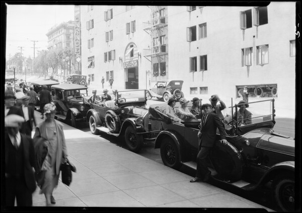 Tanner cars at Mt. Wilson, American Chemical Society trip, Southern California, 1927