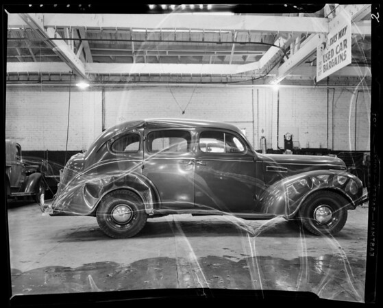 Dr. Holmes car to show damage, 1357 North Vine Street, Los Angeles, CA, 1941