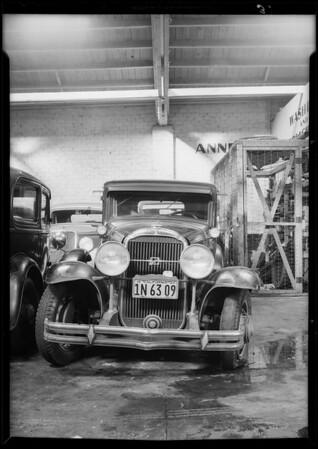 Buick sedan, owner - Nick Lewis, Chevrolet coupe, owner - Hobbs, Southern California, 1934