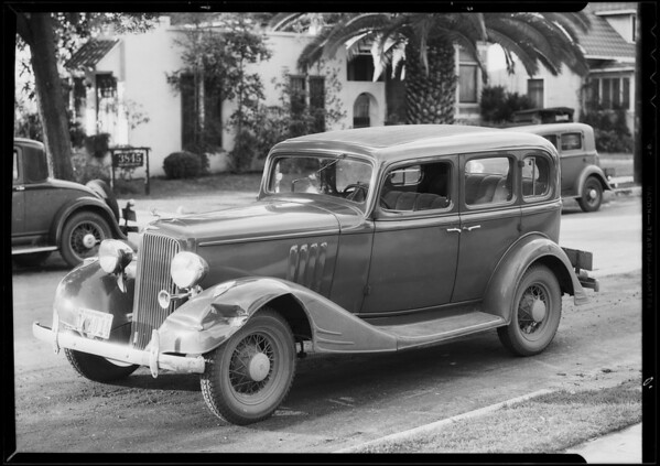Pontiac sedan, Commercial Casualty, Southern California, 1935