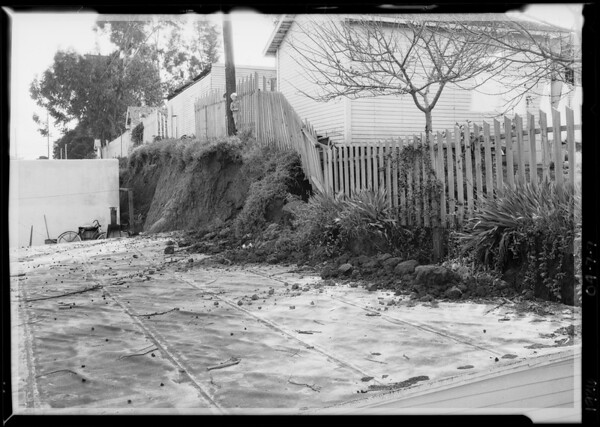 1228 Royal Court cave-in in backyard, Southern California, 1926