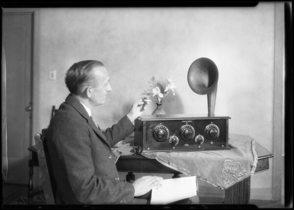 Radio and speaker, Southern California, 1925