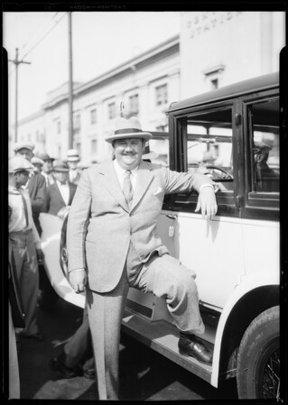 Paul Whiteman at Union Pacific station, Southern California, 1926
