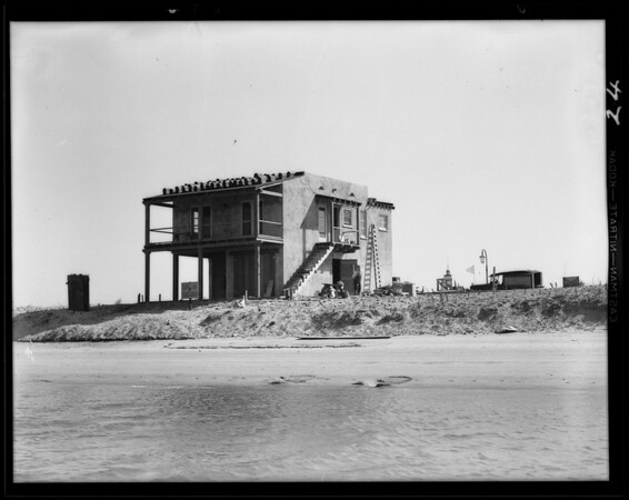 Houses and construction at Lido Isle, Newport Beach, CA, 1931