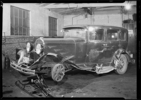 Wrecked Chrysler sedan, Wallace Porter owner & assured, Southern California, 1934