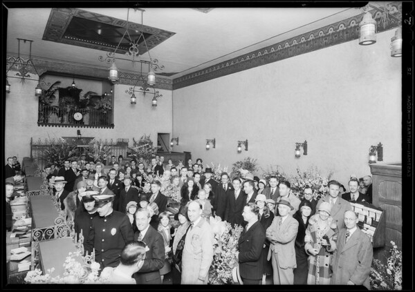 Crowd at opening night, Southern California, 1930