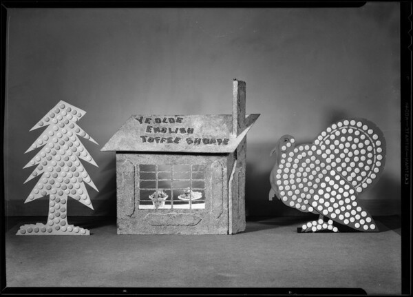 Turkey and Christmas tree display, Southern California, 1930