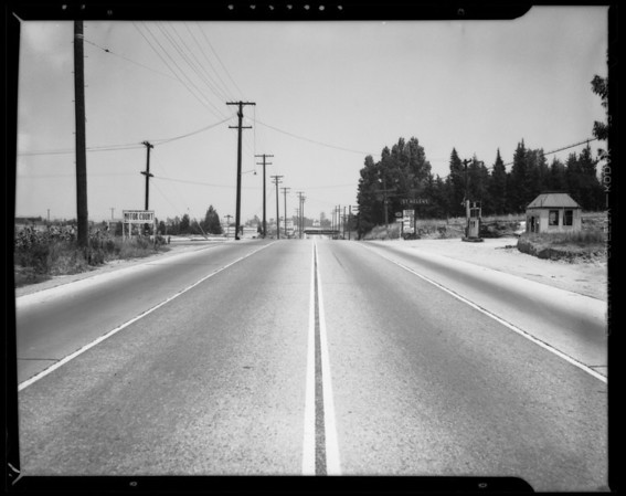 Intersection of Inglewood Avenue and Redondo Riverside Boulevard, Southern California, 1940
