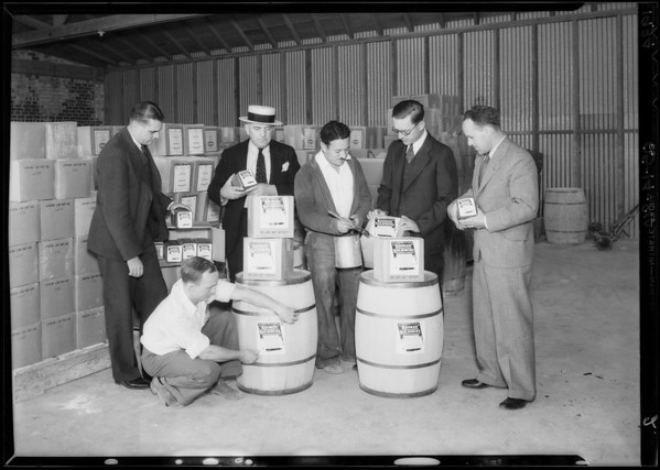 Salesmen with new labels, Vernon, CA, 1934