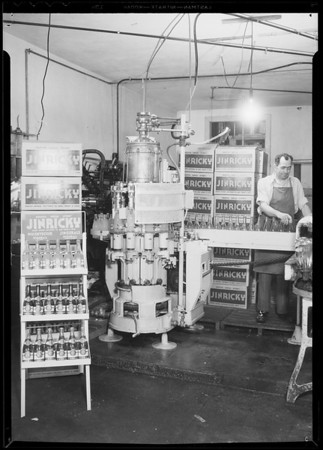 Jinricky bottling machine, Southern California, 1934