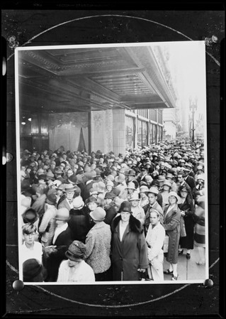 Groups for composite of crowd, Southern California, 1930 [image 12]