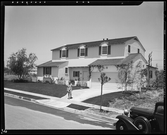 Publicity at Roxbury manor, Southern California, 1940
