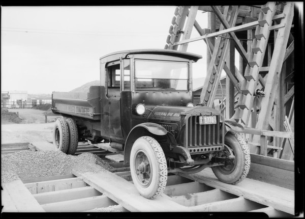 Lee Tire & Rubber Co., trucks taken in Hollywood, Southern California, 1925