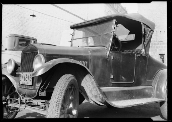 Damaged Ford, 126 East 3rd Street, Los Angeles, CA, 1930