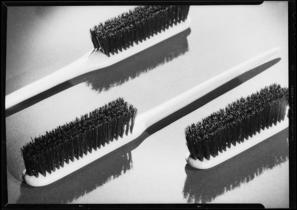 'Zapo' brushes, Zans Hair Shop, Southern California, 1934