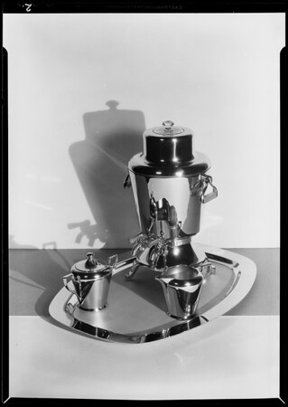 Urn set, Southern California, 1930