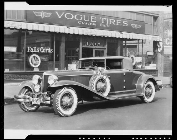 Paul Whiteman's Cord car, Southern California, 1929
