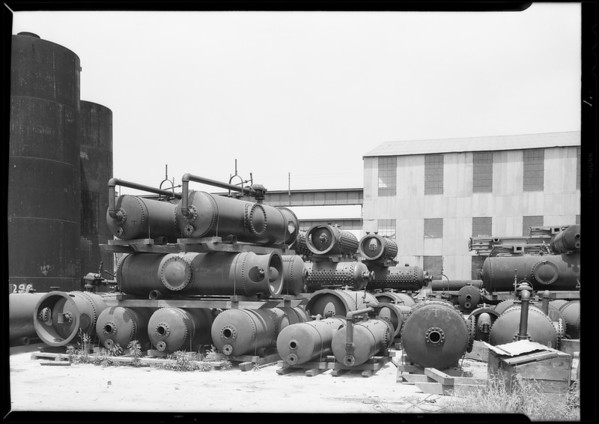 Gas tanks, Western Pipe & Steel, Southern California, 1931