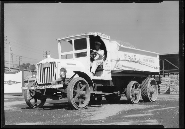 Dispatcher's office & truck, Southern California, 1927