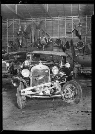 Peerless & Ford wreck, Norwalk in Lyster's Day & Nite Garage, 1518 1st Street, Norwalk, Lindale- assured, Southern California, 1931